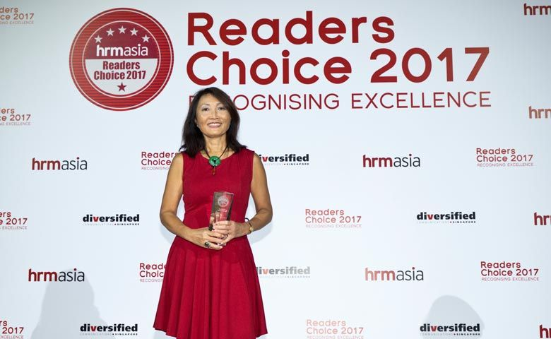 Christine Mechtler, Director of Marketing Communications, Oakwood Asia Pacific, receiving the award