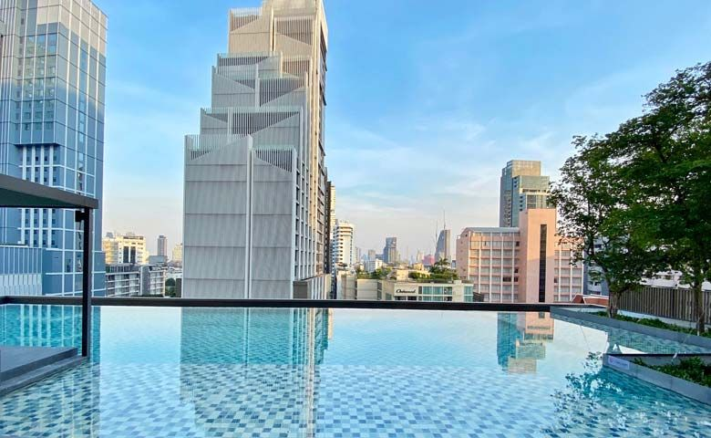 Oakwood Suites Bangkok  – Infinity Swimming Pool