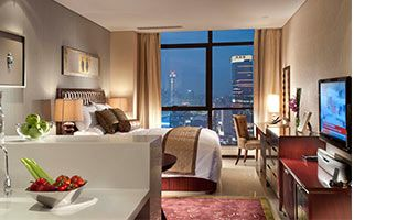 Enjoy our celebratory room package at great value along with breakfast and dining credit.