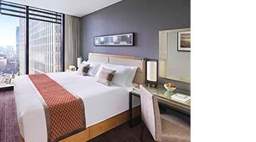 Enjoy great value with triple perks - breakfast, free champagne and room upgrade - for your stay.