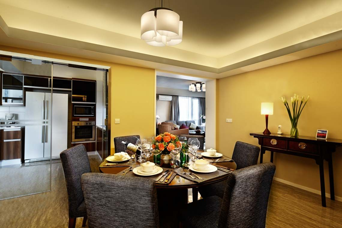 Oakwood Gold Arch Residence Guangzhou's three-bedroom's dining room