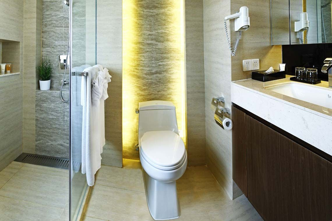 Oakwood Gold Arch Residence Guangzhou's three-bedroom deluxe apartment's washroom