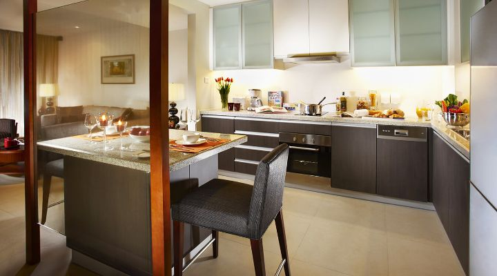 Oakwood Residence Shanghai's one-bedroom executive apartment's dining area