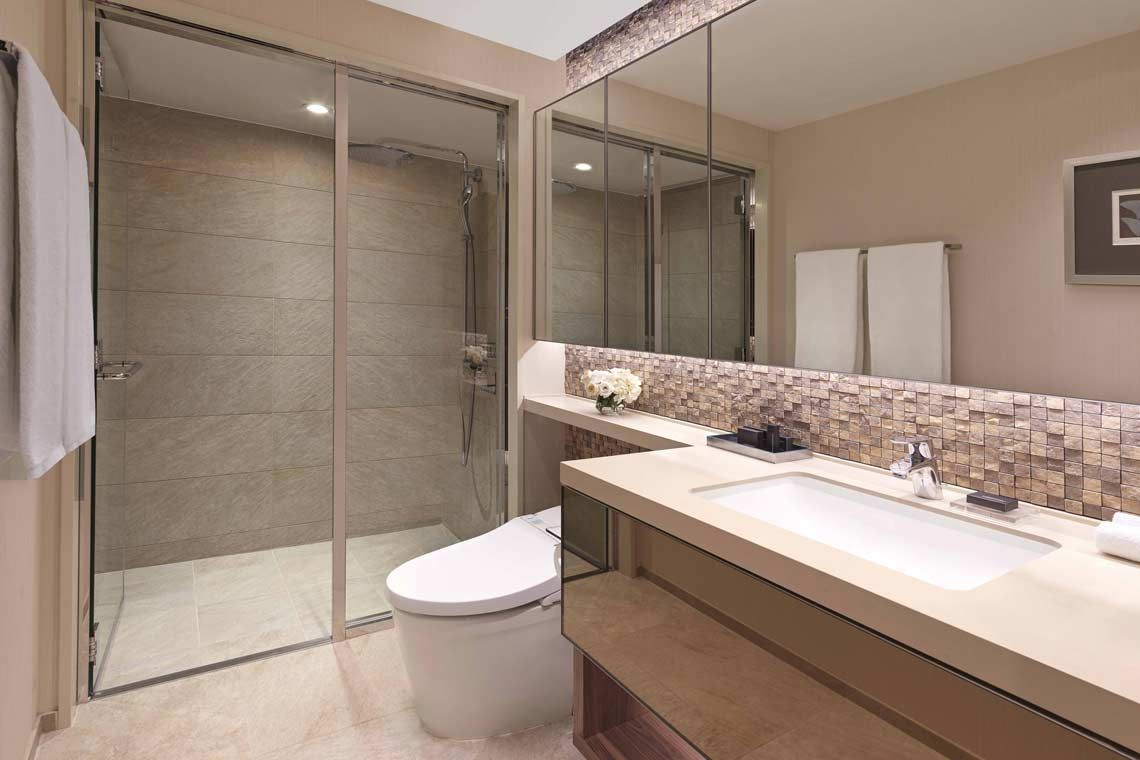 Oakwood Premier Tokyo's one-bedroom superior apartment's bathroom