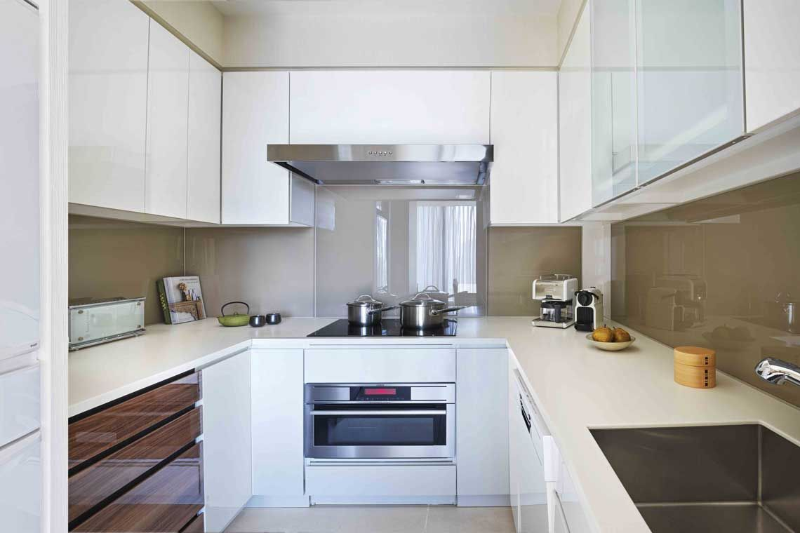 Oakwood Premier Tokyo's two-bedroom deluxe apartment's kitchen