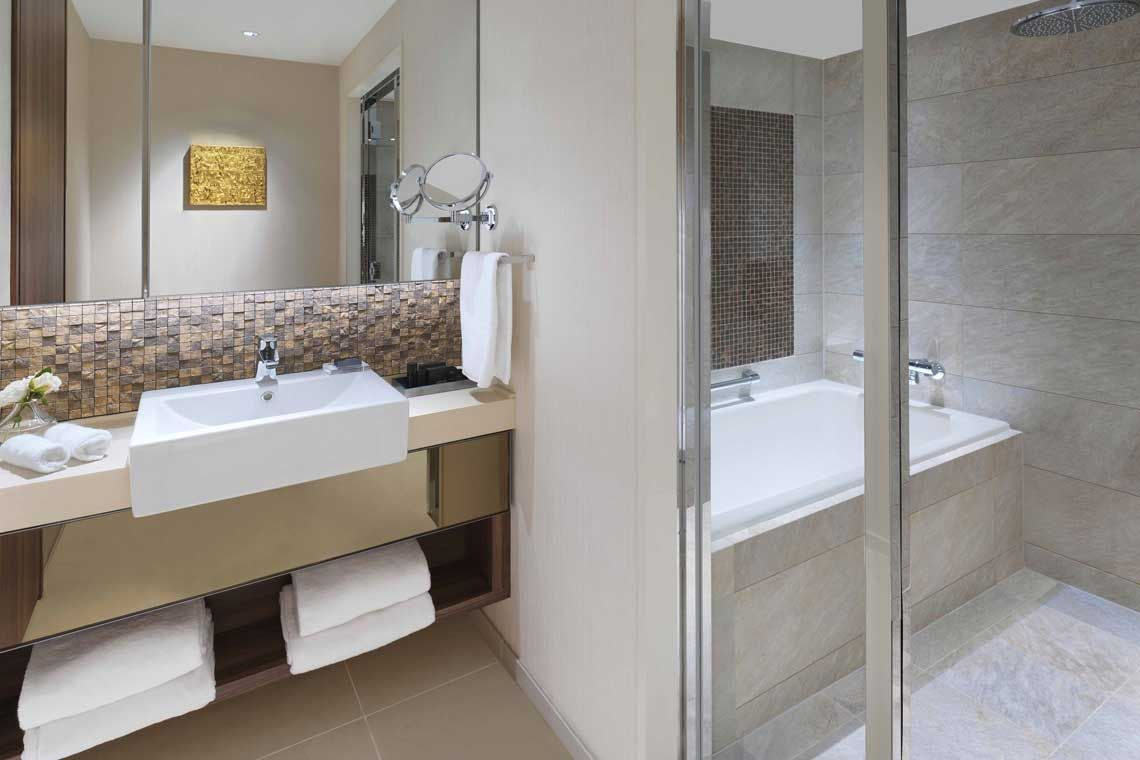 Oakwood Premier Tokyo's three-bedroom executive apartment's bathroom