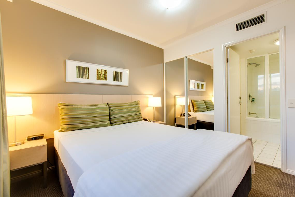 Oakwood Hotel & Apartments Brisbane one-bedroom superior apartment