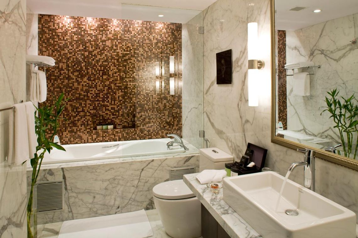 Oakwood Premier Prestige Bangalore's one-bedroom superior apartment's bathroom