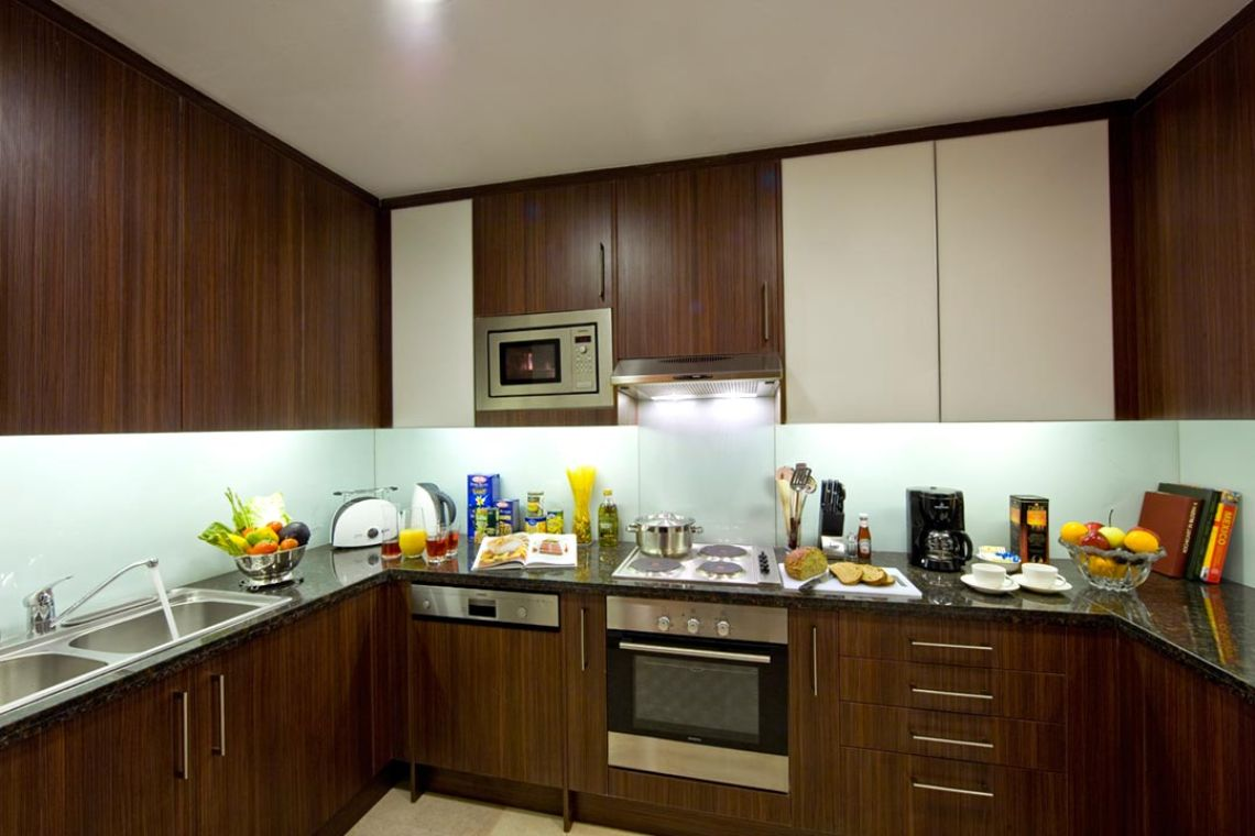 Oakwood Premier Prestige Bangalore's two-bedroom superior apartment's kitchen