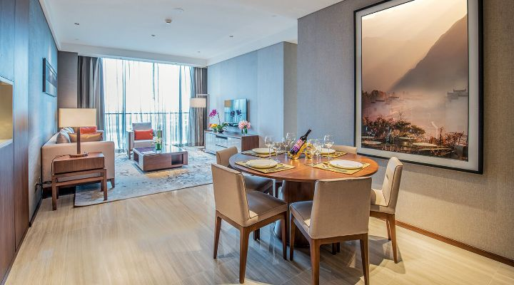 Oakwood Residence Damei Beijing's two-bedroom apartment's dining room