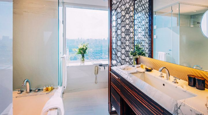 Oakwood Premier Coex Center Seoul's three-bedroom apartment bathroom