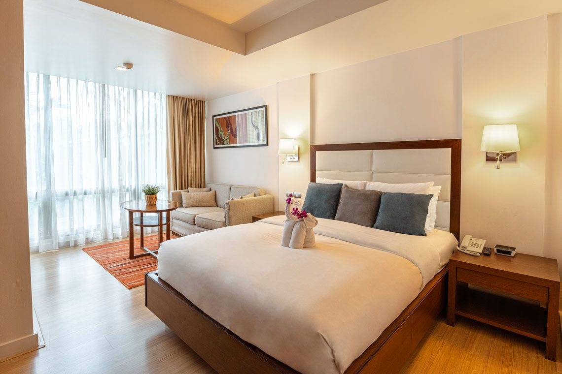 Oakwood Residence Sukhumvit 24, Bangkok's studio executive's bedroom