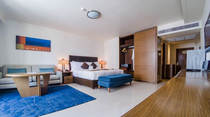 Oakwood Residence Sukhumvit Thonglor, Bangkok's studio apartment
