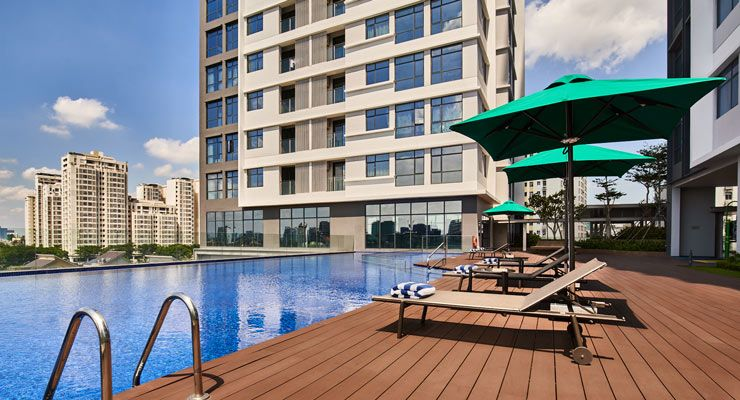 Oakwood Residence Saigon's outdoor swimming pool