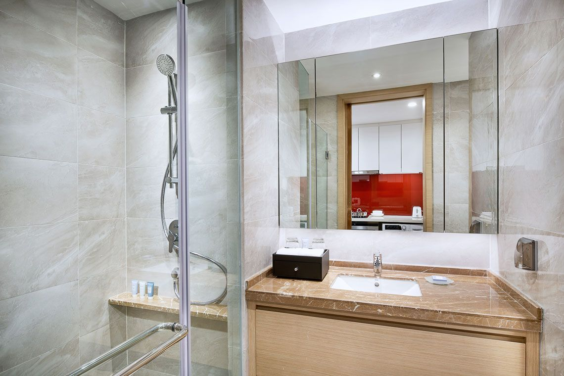 Oakwood Apartments Yangzhou's studio deluxe apartment's bathroom