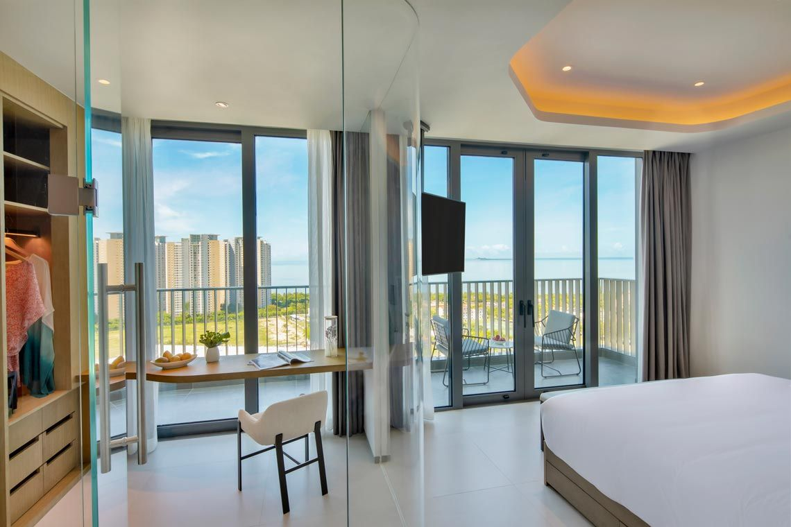 Oakwood Apartments Sanya's three-bedroom premier apartment with ocean view