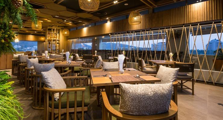 Crossways Restaurant and Bar at the rooftop offers a panoramic view of Patong