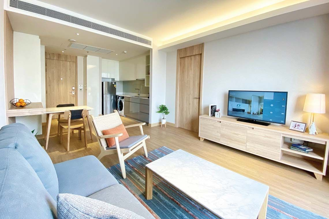 Oakwood Suites Bangkok's one-bedroom executive's living room