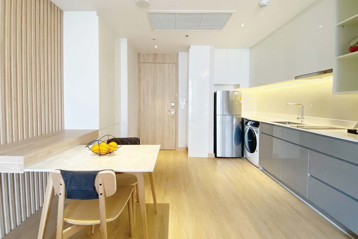 Oakwood Suites Bangkok's one-bedroom executive's kitchenette