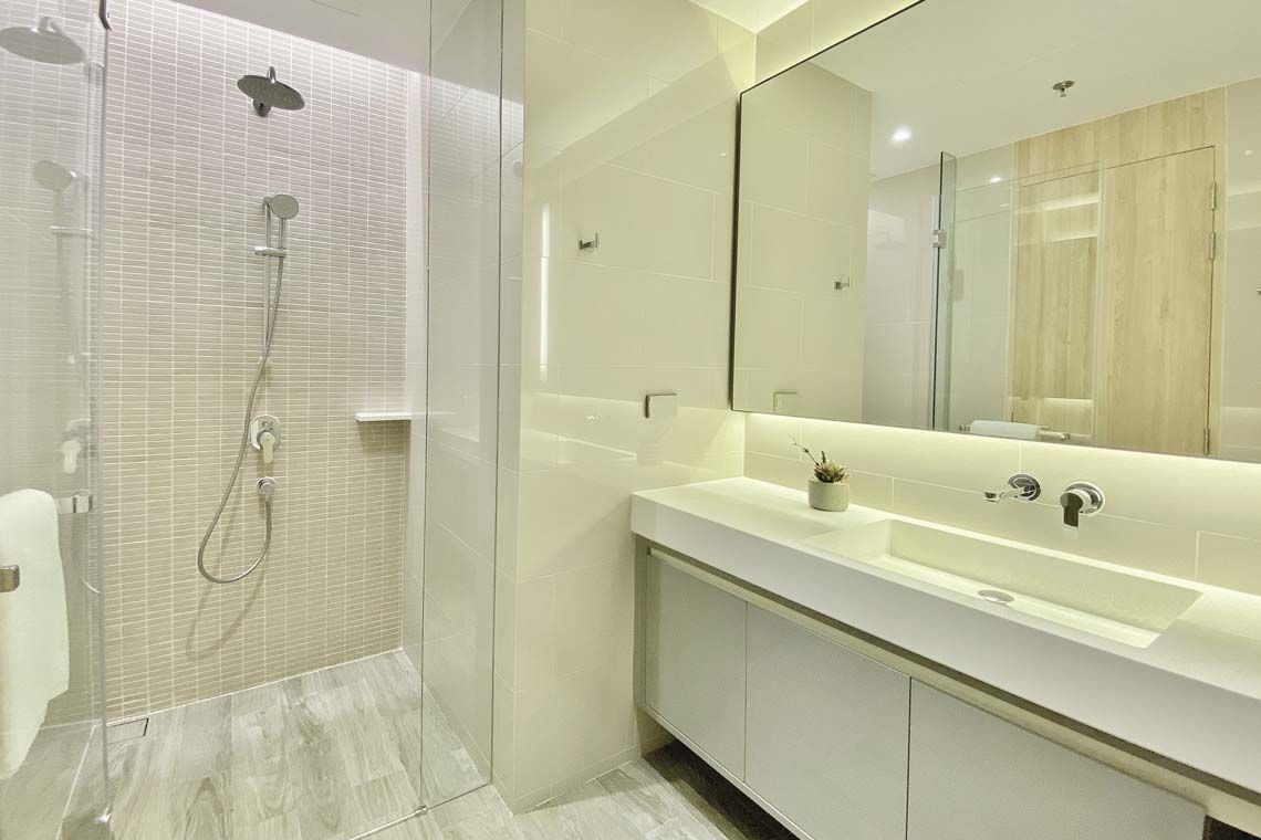 Oakwood Suites Bangkok's two-bedroom superior apartment's second bathroom