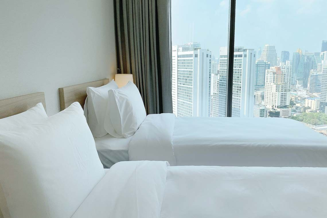 Oakwood Suites Bangkok's two-bedroom executive's second bedroom twin