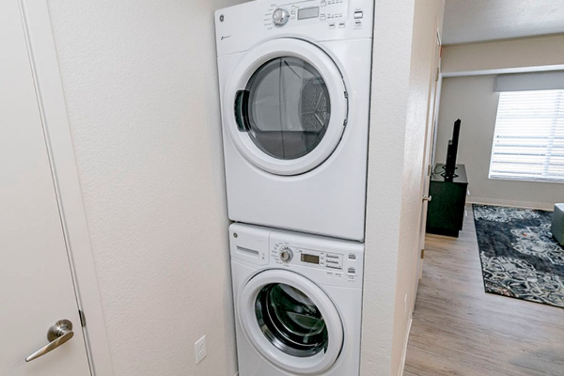 Oakwood WaterWalk Denver Tech Center's one-bedroom apartment washer & dryer