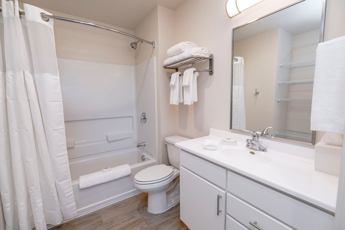 Oakwood WaterWalk Denver Tech Center's two-bedroom apartment bathroom