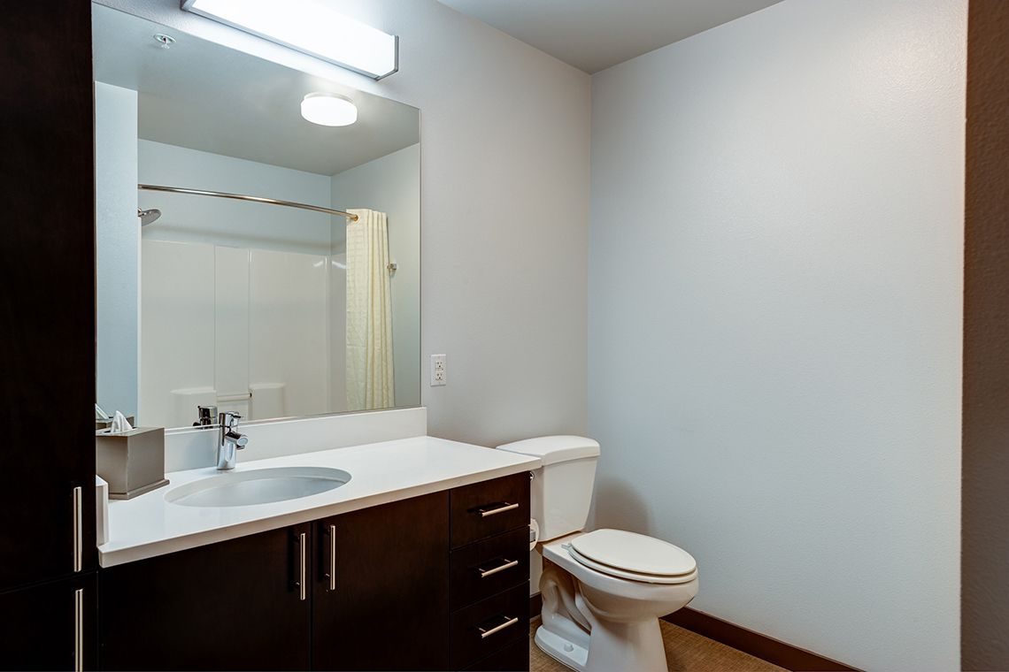Oakwood Residence Seattle South Lake Union's one-bedroom apartment bathroom