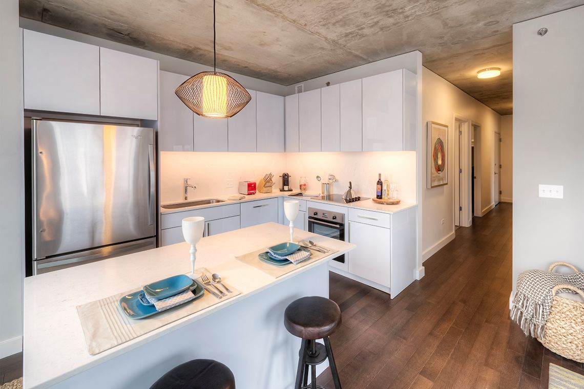 Oakwood Residence Chicago River North's two-bedroom apartment kitchen