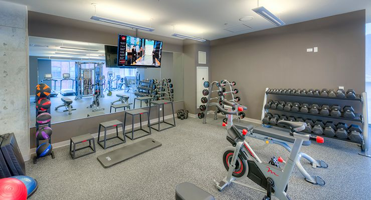Oakwood Residence Chicago River North's fitness center