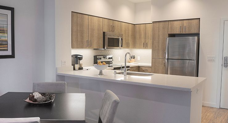 Oakwood Residence Mountain View's one-bedroom apartment's kitchen