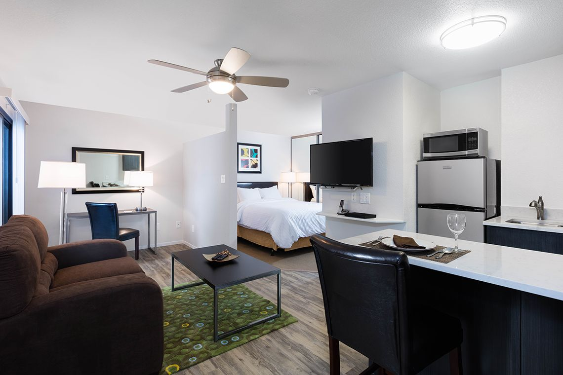 Oakwood Apartments Silicon Valley's studio living room