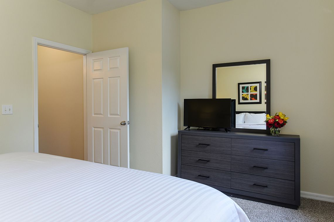 Oakwood Apartments Raleigh Brier Creek's one-bedroom apartment bedroom