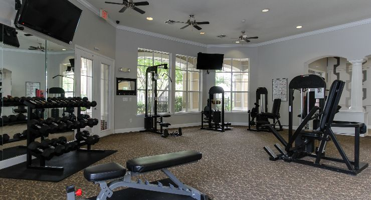 Oakwood Apartments Raleigh Brier Creek's fitness center