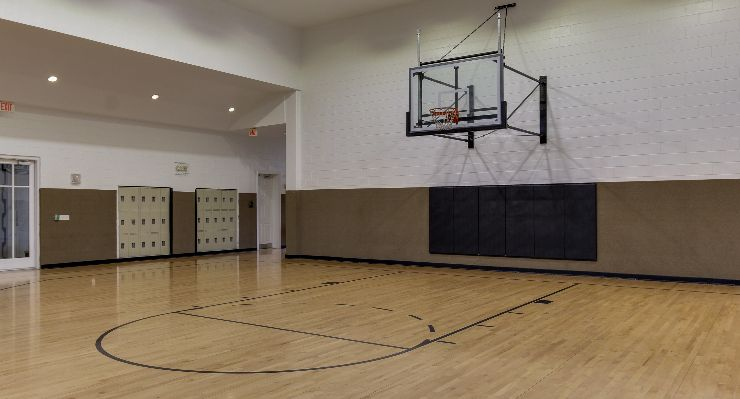 Oakwood Apartments Raleigh Brier Creek's basketball court
