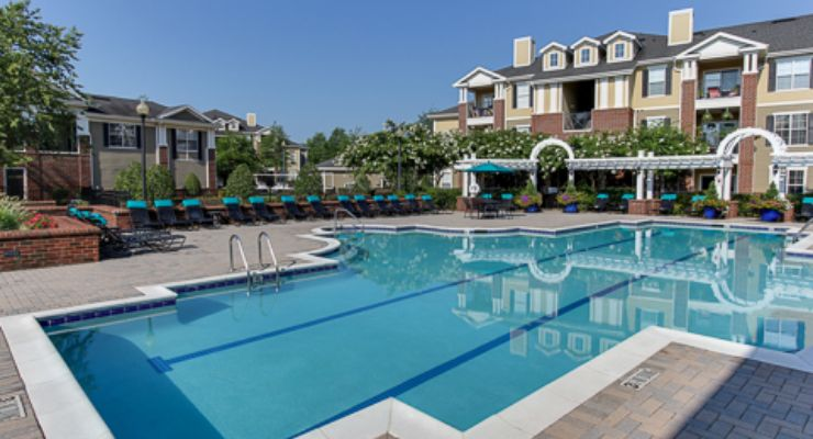 Oakwood Apartments Raleigh Brier Creek's swimming pool