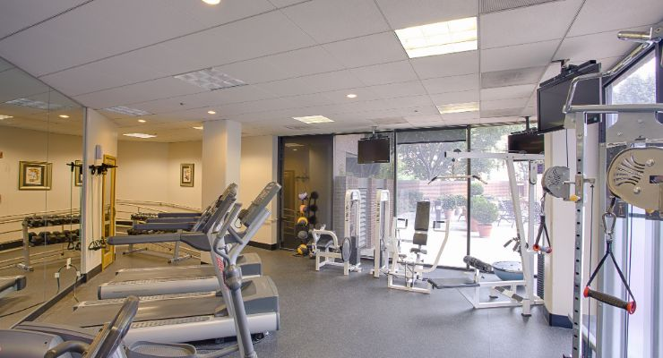 Oakwood Residence Arlington's fitness center