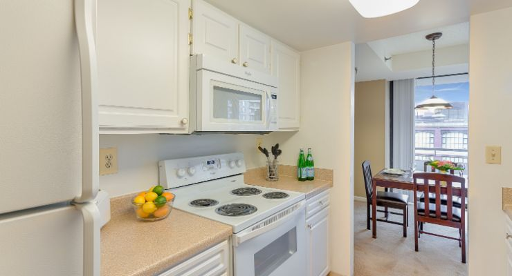 Oakwood Residence Arlington's two-bedroom apartment kitchen