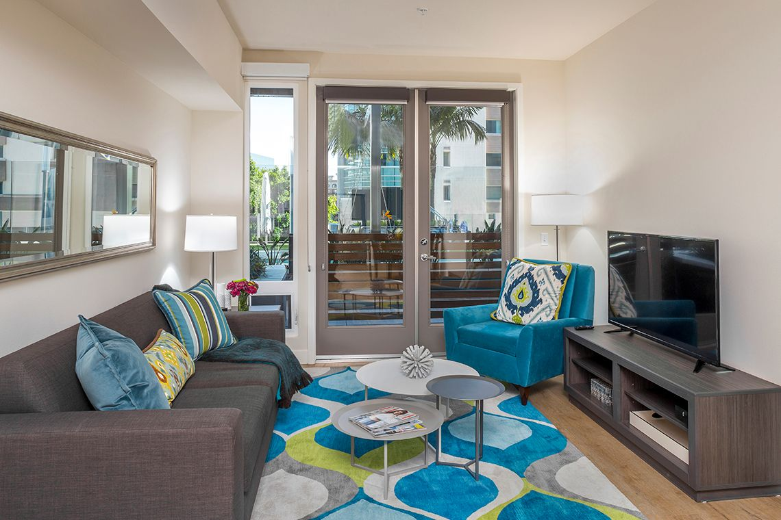 Oakwood Studios Los Angeles Olympic & Olive's one-bedroom apartment living room