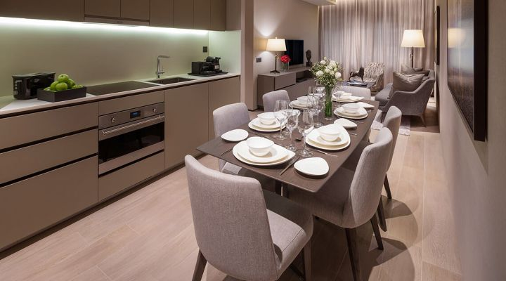 Oakwood Premier AMTD Singapore's two-bedroom apartment's dining hall