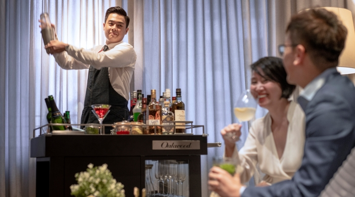 Oakwood Premier AMTD Singapore's mobile bar service