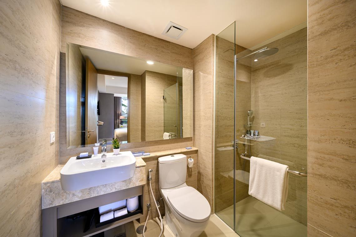 Oakwood Apartments PIK Jakarta's one-bedroom deluxe apartment's bathroom