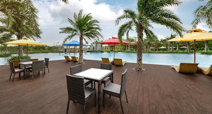 Oakwood Apartments PIK Jakarta's Outdoor Pool Terrace