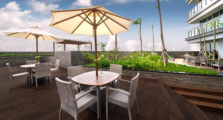 Oakwood Apartments PIK Jakarta's restaurant - outdoor terrace