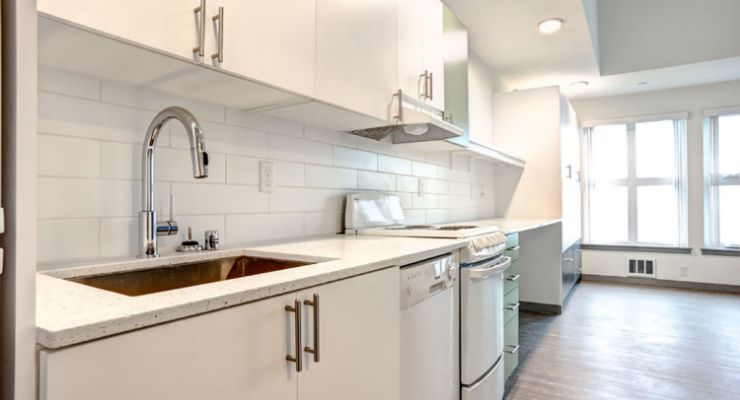 The Lofts at the Junction's one-bedroom apartment kitchen